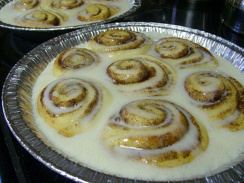 Pioneer Woman's Cinnamon rolls (make ahead and freeze in pie pans)
