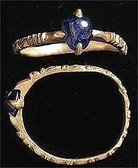A gold finger ring, Europe, 13th-14th century.