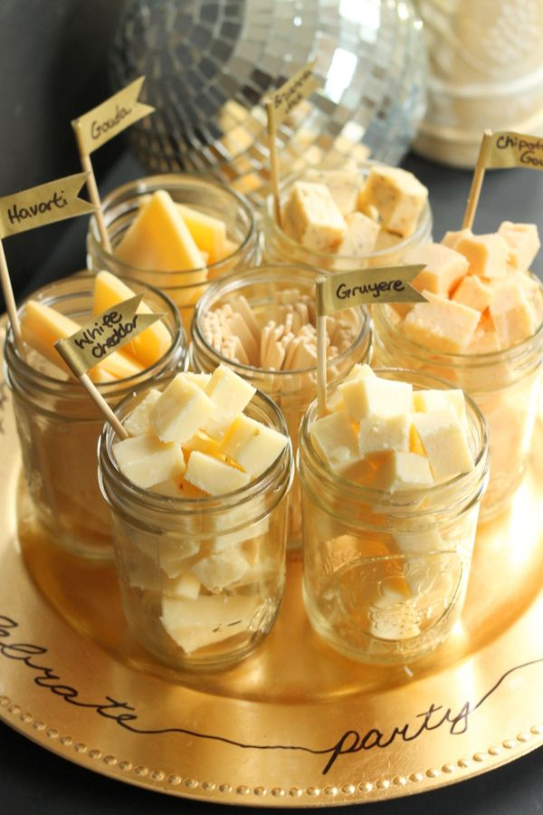 Love this cute idea - Mason jar cheese tasting tray.