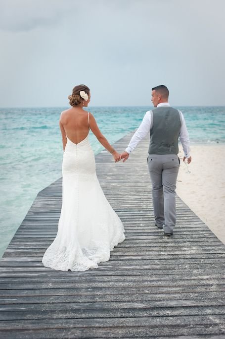 Simple Beach Wedding Dresses for Your Mexico Wedding - Life Wonders