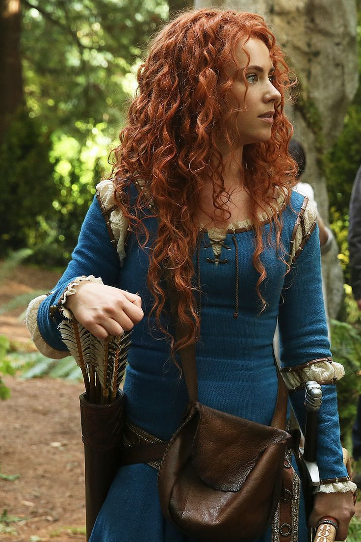 Once Upon a Time Season 5: 14 Merida, Camelot and Dark Swan teases I can't believe how much she resembled,spoke and acted like the Merida from Disney's Brave. I just love this show!
