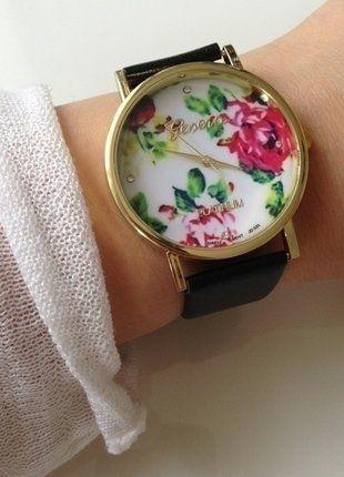 Kupuj mé předměty na #vinted http://www.vinted.cz/doplnky/hodinky/13919122-hodinky-kvetinovy-motiv-cerne-vintage-retro