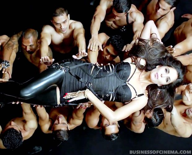 Dhoom3Song-006