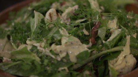 Eén - Dagelijkse kost - salade van gegrilde bloemkool met kip