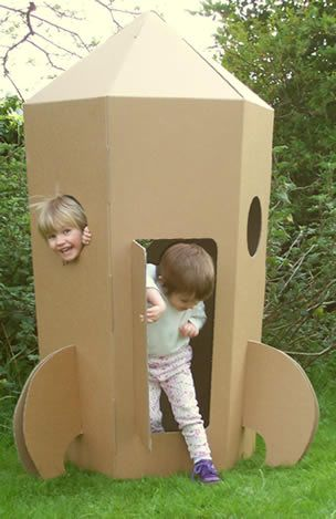 Cardboard Spaceship, Cardboard Rocket, Cardboard Playhouse, Cardboard Toys, Cardboard Furniture, Diy For Kids, Gifts For Kids, Diy Toys For Babies, Cardboard Crafts Kids