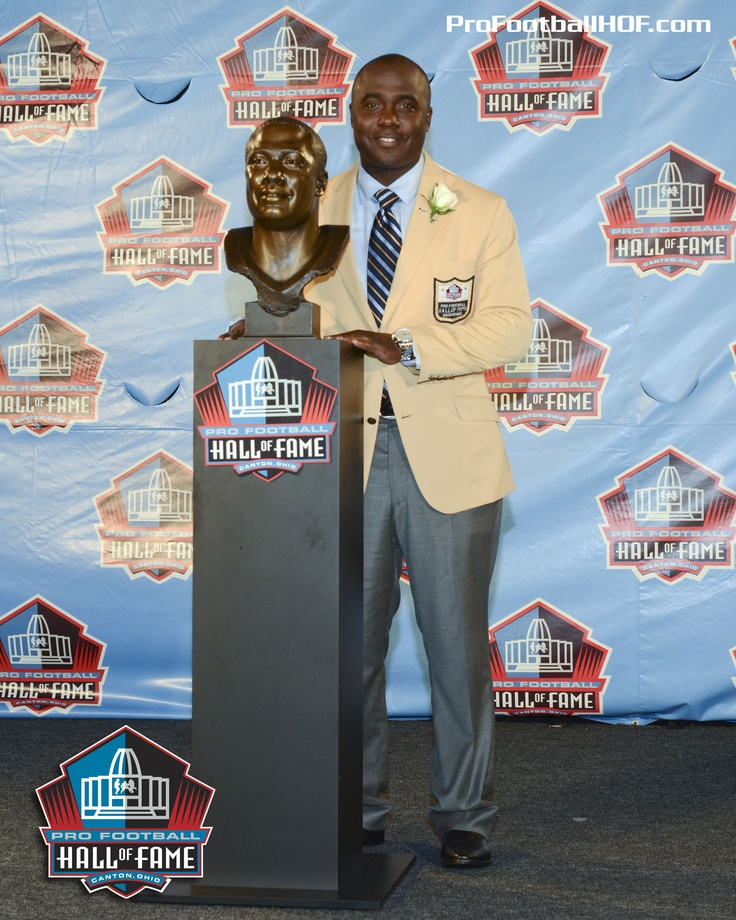 Feb. 26, 1973 - Marshall Faulk, Pro Football Hall of Fame Class of 2011, was born in New Orleans, Louisiana. Click on image for Marshall's complete HOF bio. #Colts #Rams