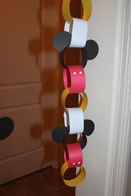 Mickey Mouse party decoration or count down to Disney trip