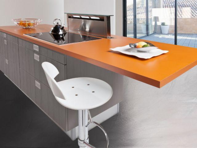 fabulous hotte escamotable dans le plan de travail de. Black Bedroom Furniture Sets. Home Design Ideas