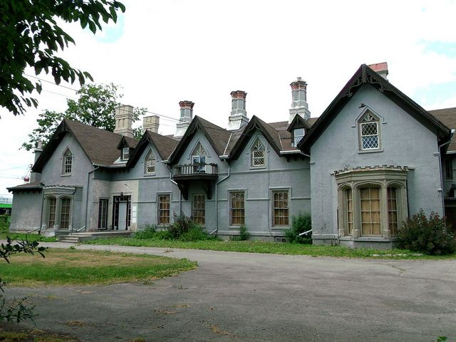 Auchmar House (Abandoned) Hamilton, Ontario Auchmar House (Abandoned) Hamilton, Ontario       Newer Older Built 1852-1854 Architect - unknown .... in Gothic Revival style .... It's name taken from the Auchmar Estate in Loch Lomond, Scotland. Arched windows, eleven chimneys, gables & French doors are a few of the architectural styles found at Auchmar House....