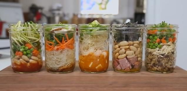 5 Make-Ahead Instant Soups In A Jar - http://www.lovesimplecooking.com/5-make-ahead-instant-soups-in-a-jar/