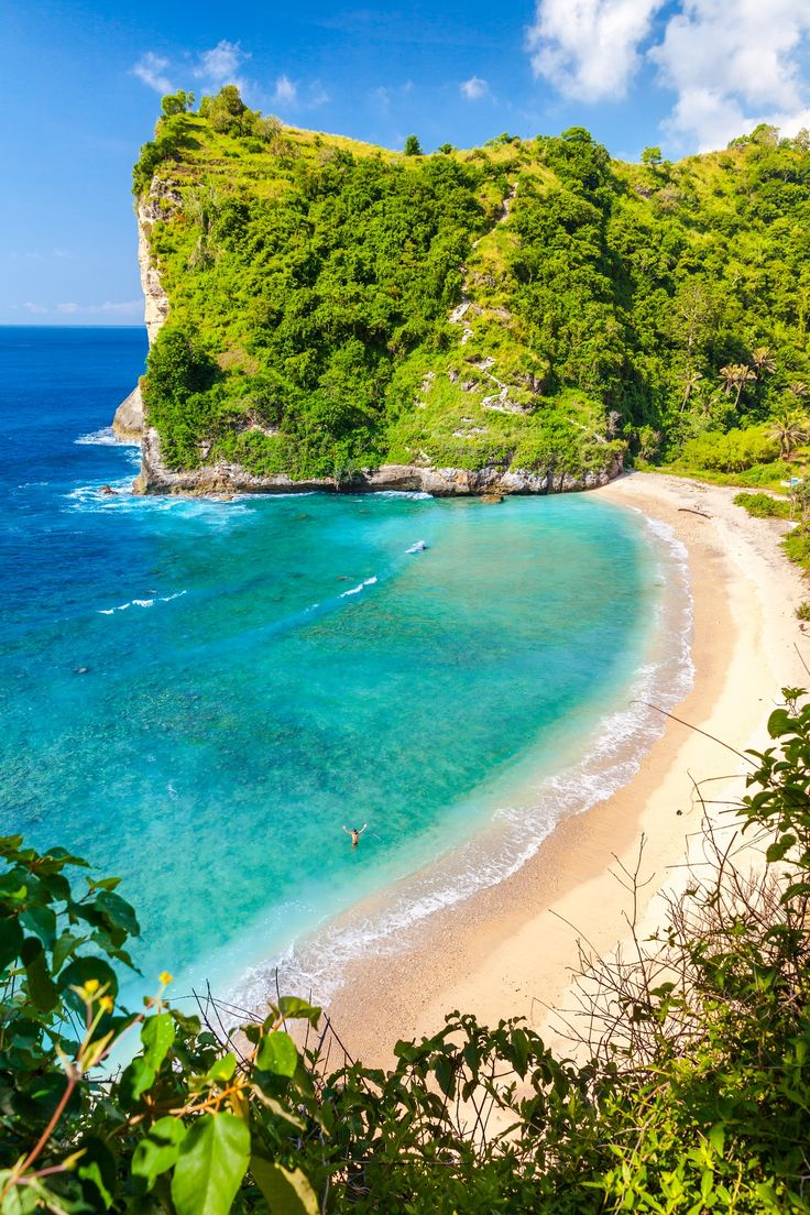 Looking for your perfect honeymoon destination? With its endless sun, sand and surf, Bali should be at the top of your list!