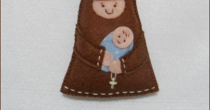 Lembram que já fiz São Francisco de Assis? depois foi Santo Antonio.   Pode ser colocado em chaveiro, pendurado na chave de um armário, e a...