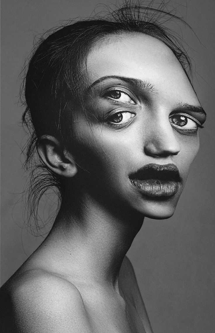 Stockify, les portraits déformés de Flora Borsi | Ufunk.net