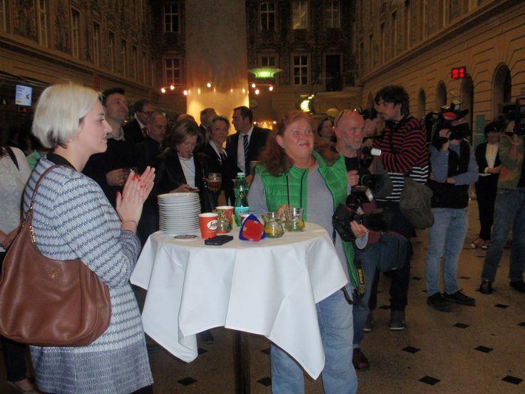 Na naší kávě Segafredo si pochutnávali nejen novináři, ale i ostatní, kteří přišli na tiskovou konfernci pořádanou k odhalení známky Expo Miláno 2015 v prostorách české pošty v Jindřišské ulici.