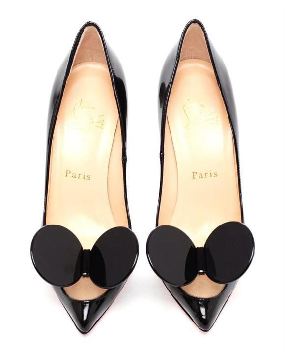 Scarpin do Mickey by Chrisitian Louboutin - esse eu usaria!