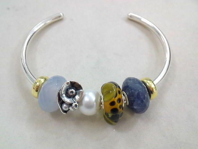 Simple and stunning! #Trollbeads