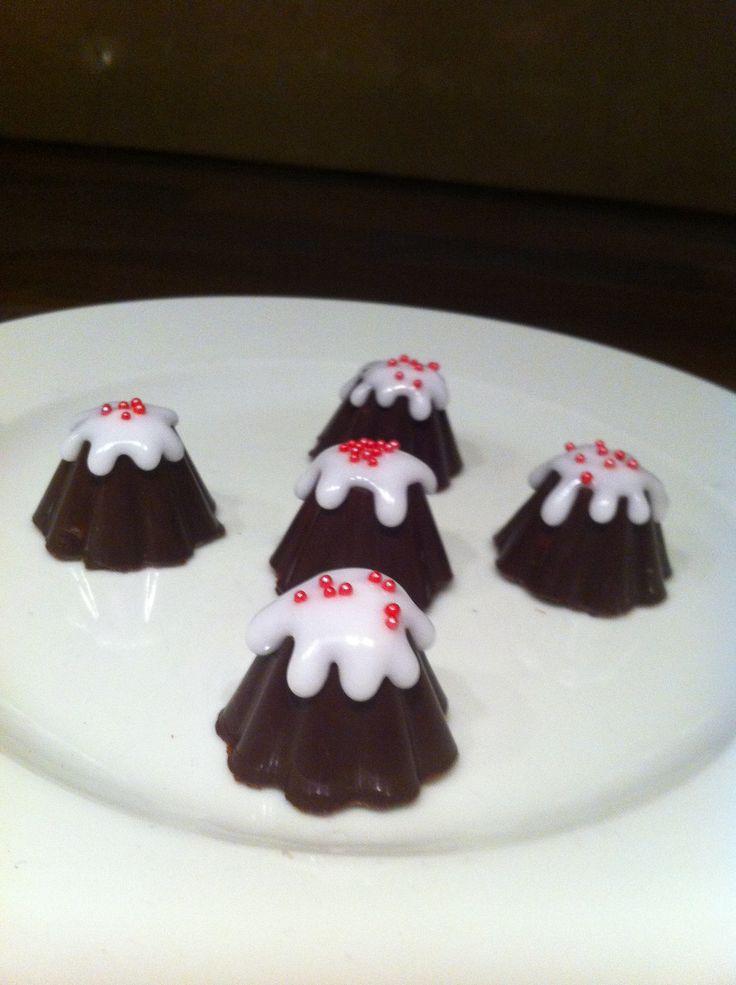 Bonbons met aardbeiencrème vulling