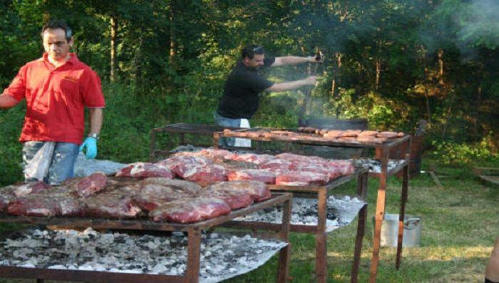 Fiesta Argentina con grande grigliata di carne