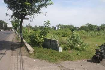 Dijual Murah Sebidang Tanah Kering Sbb:* Luas Tanah 5230 m2* Sertipikat Hak Milik* Lokasi di Pusat Kota Kendal, tepi Jalur Pantura Jawa TengahHarga: Rp. 2.000.000,-/m (NETT)Hubungi: 0853 1479 5758TANPA PERANTARA21435