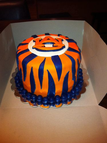 AUsome Auburn Cake!! Who can make this for Connor's b'day?