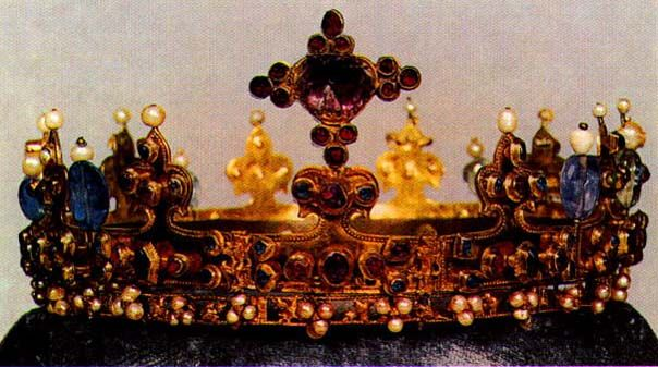 The Lady's Crown, Germany, 1350, L. Kybalova, Dejiny odivani - Stredovek, 2001