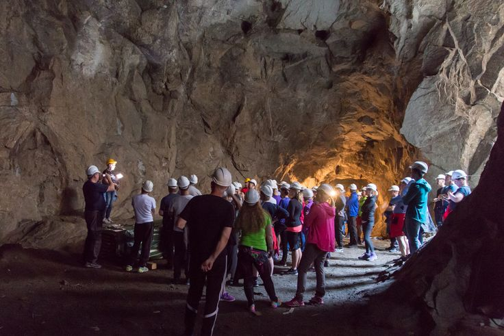 Visiting the caves on the mountaintop Lilletopp.