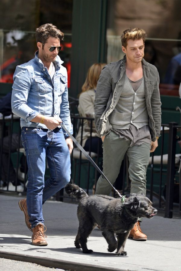 jeremiah brent in nate berkus spotted with jeremiah brent. Black Bedroom Furniture Sets. Home Design Ideas