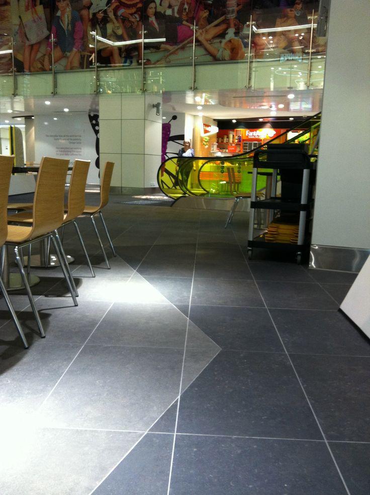Wintergarden Brisbane Foodcourt: Floor tiles