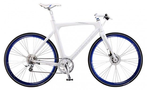 Avenue Airbase XM herrecykel. Sej og stærk herrecykel fra Avenue. Når Avenue sætter XM på deres cykler, betyder det at cyklen er en opgraderet design model i forhold til de almindelige modeller - Den kommer tæt på den perfekte cykel. Mange cykelexperter mener at denne herrecykel er perfekt, ikke mindst på grund af det ultra smarte design. Der er kælet for alle detaljerne på denne cykel