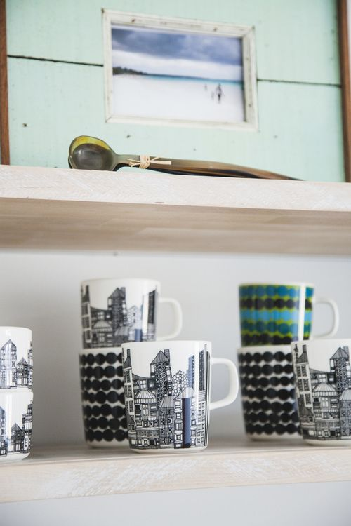 See and Feel Spatial Design - Kitchen design - Cups and mugs by Marimekko (Siirtolapuutarha, Räsymatto) and a photo from Jamaica