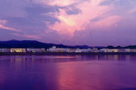 £79 for a 2nt seafront Llandudno stay for 2 with breakfast & afternoon tea