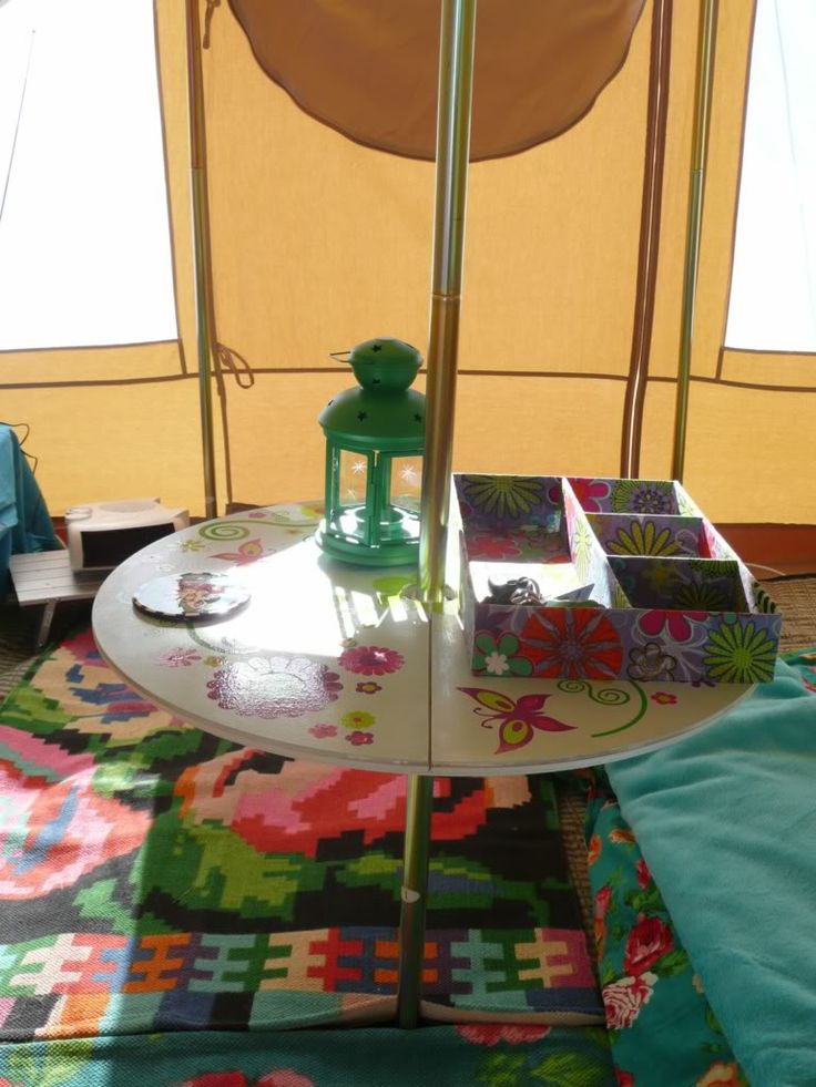 Bells & Labs: Bell Tent clamp Table