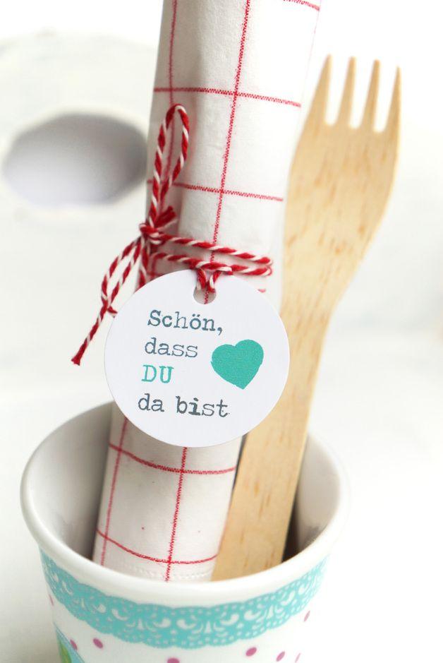 """Tischkarten """"Schön dass Du da bist"""" // table cards, wedding decoration by Lena und Max via DaWanda.com"""