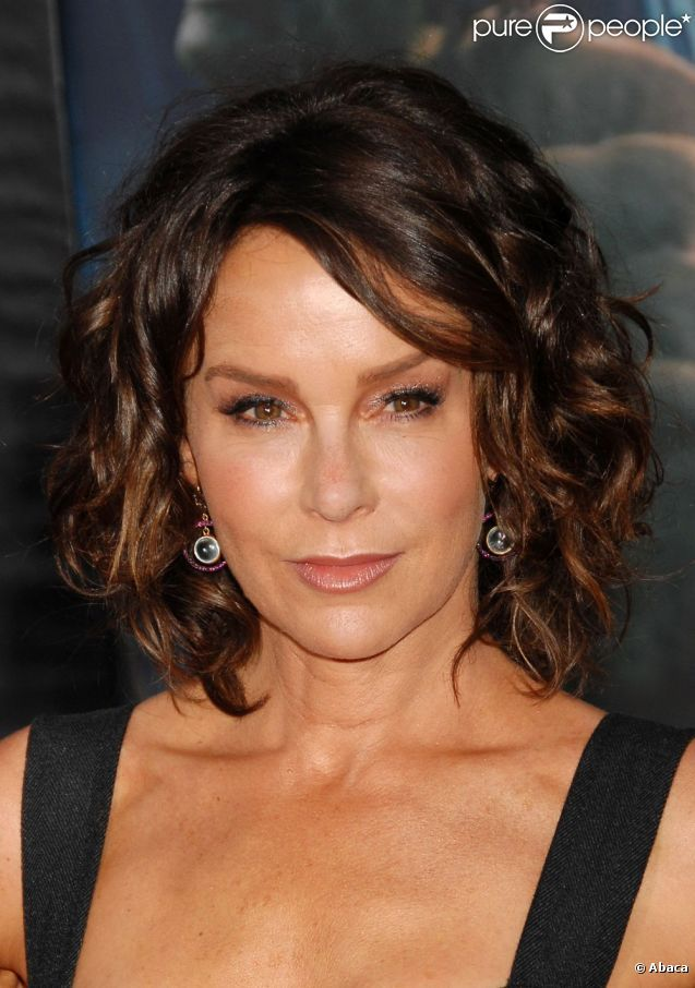 Jennifer+Grey | Jennifer Grey à Hollywood le 11 avril 2012.   So sad...loved the original!!!