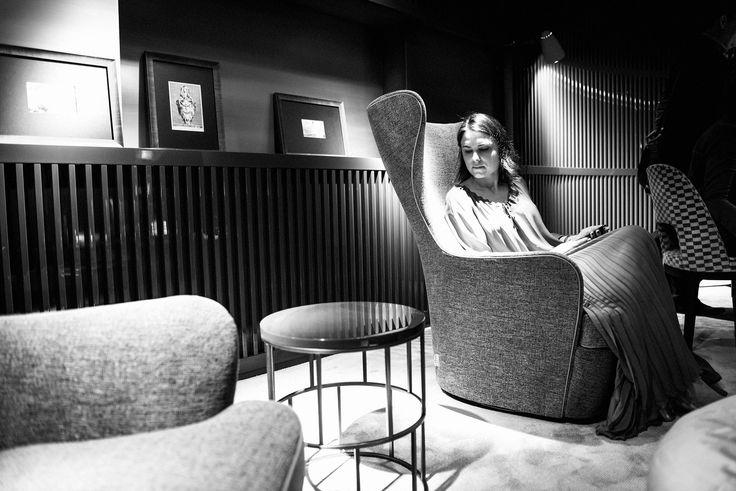 Flexform MOOD | ELISABETH new bergére armchair and RIVIERA small table.