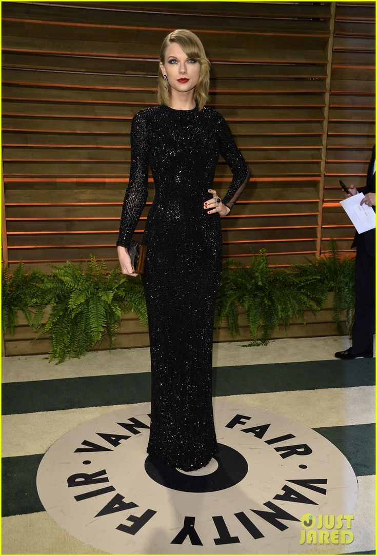 Beautiful! Taylor Swift Glams Up the Vanity Fair Oscars Party 2014