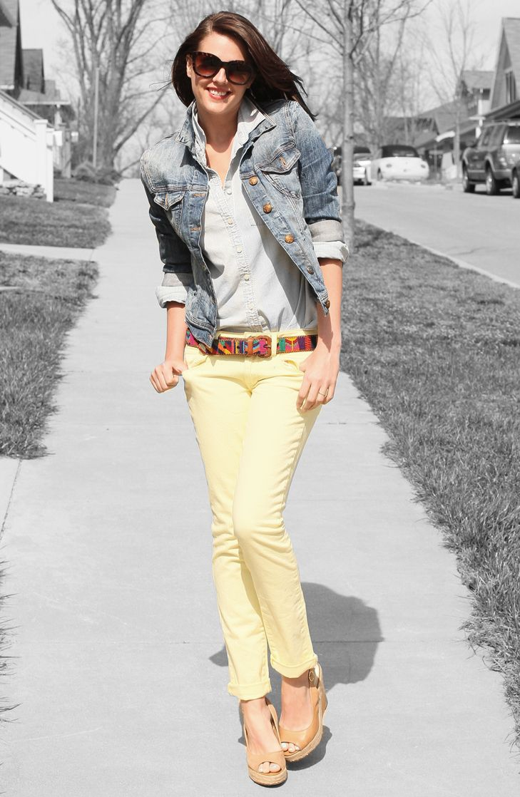 Loving this outfit for spring!Colors Pants, Fashion Shoes, Colors Jeans, Jeans Jackets, Yellow Pants, Spring Colors, Spring Outfit, Colors Denim, Girls Outfit