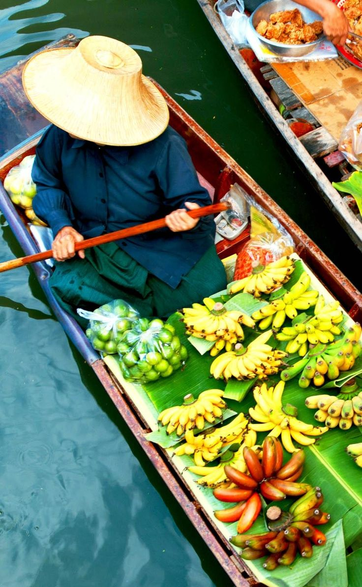 Traditional floating Market   Thailand Travel Guide