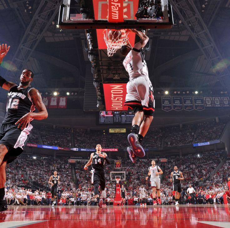 Trevor Ariza reverse dunk.