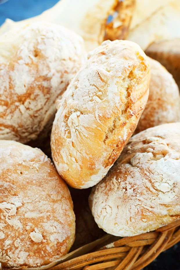 These no-knead bread rolls are incredible and totally fool-proof!
