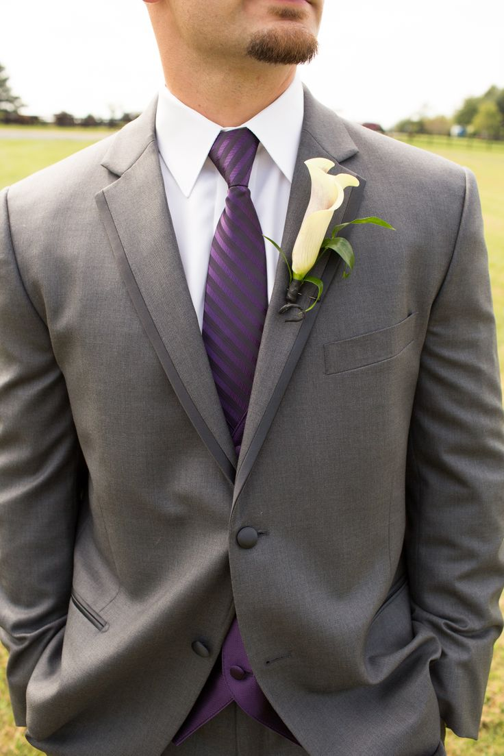 Groom- Groomsmen- Gray Tux- Men's Warehouse Vera Wang- Amethyst- Purple- Calla Lily- Boutineers- Callie Hardman Photography