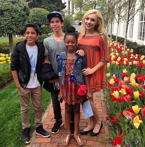 """Photo: Skai Jackson With Her """"Jessie"""" Family April 22, 2014"""