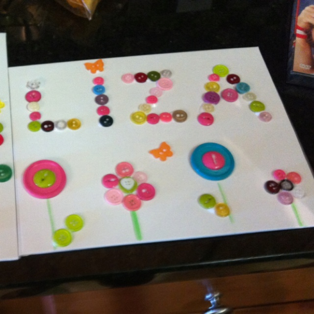 Kids craft with buttons