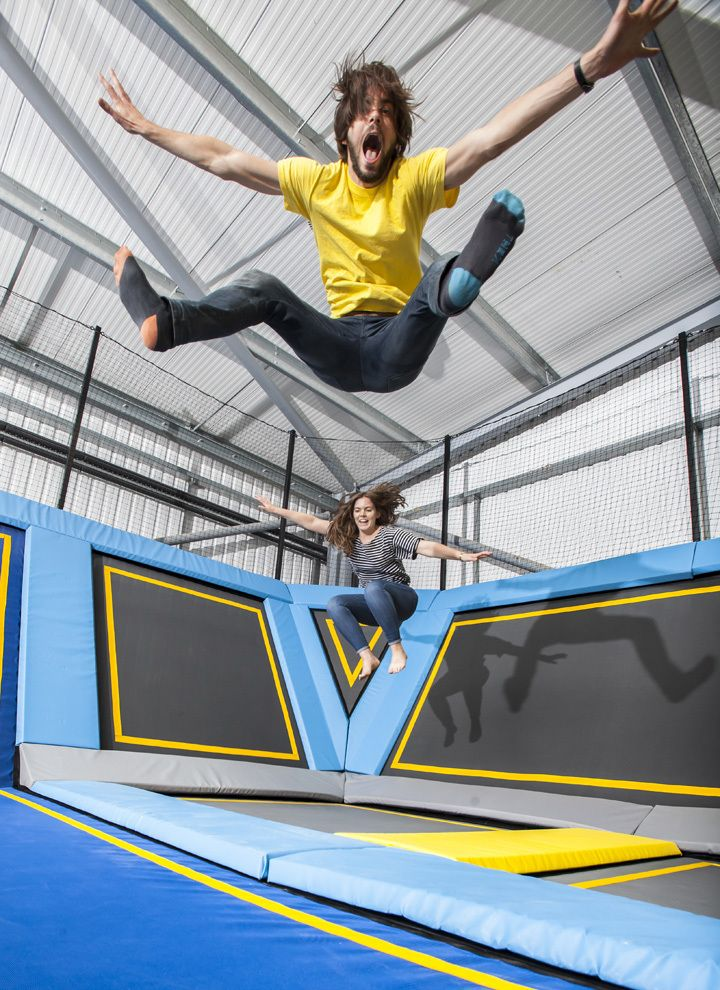 Best 25 trampoline park ideas on pinterest trampoline for Gartengestaltung trampolin