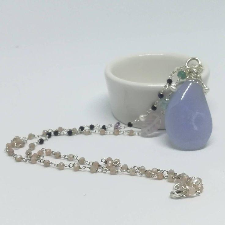 Ich freue mich, den jüngsten Neuzugang in meinem #etsy-Shop vorzustellen: Unikat Halskette mit Große Chalzedon Tropfen Indigolit Aquamarin Blaue Saphir Süswasser Perle Mondstein Fluorit Silber http://etsy.me/2yWKcZe