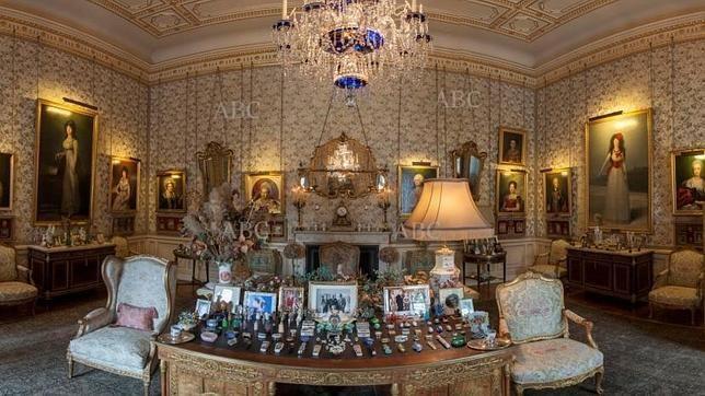 Palacio de liria residencia de la duquesa de alba en for Muebles lira coslada madrid