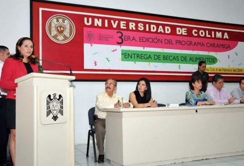 Otorgan beca alimenticia a 142  estudiantes de la Universidad de Colima