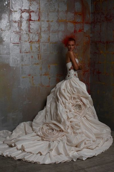 St. Pucchi Wedding Dress and Bridal Gown Collection | New York I wanted this dress in the 90's