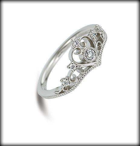 プリンセスシリーズ Princess Tiara // Disney Engagement Ring. :: This is the nicest wedding ring ive seen on here :P