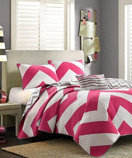 Pink & White Zigzag Brittany Quilt Set